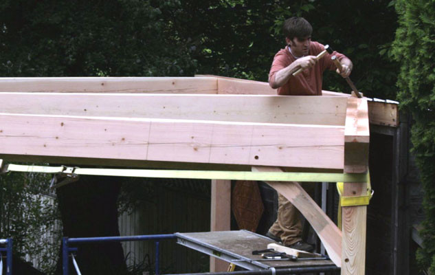 trc-timberworks-timber-framing-tim-at-work-067